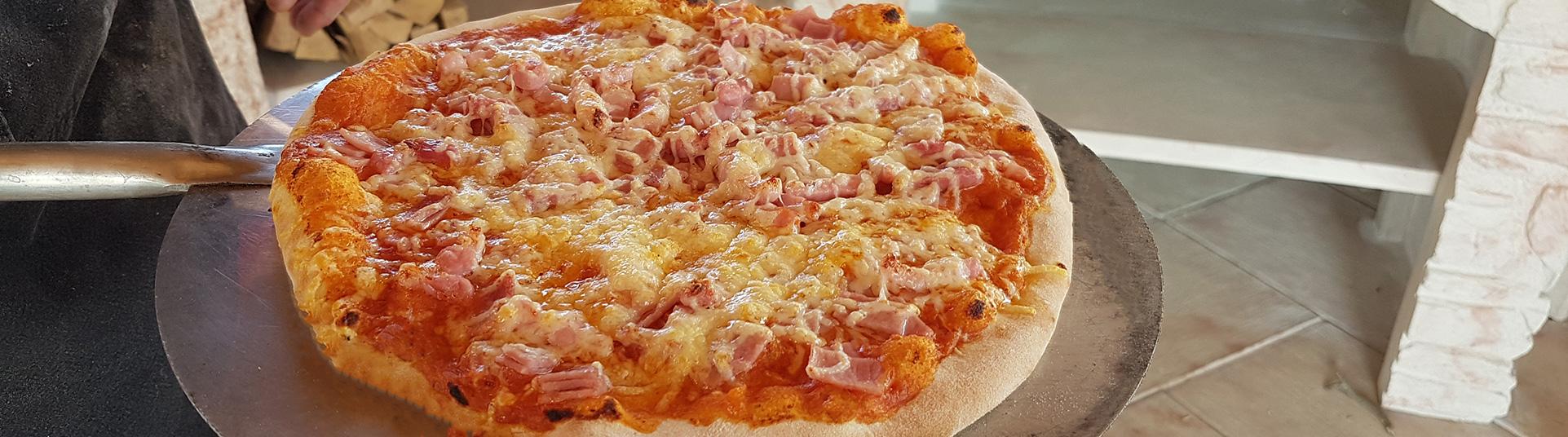 four à pizza et four à bois en fonte