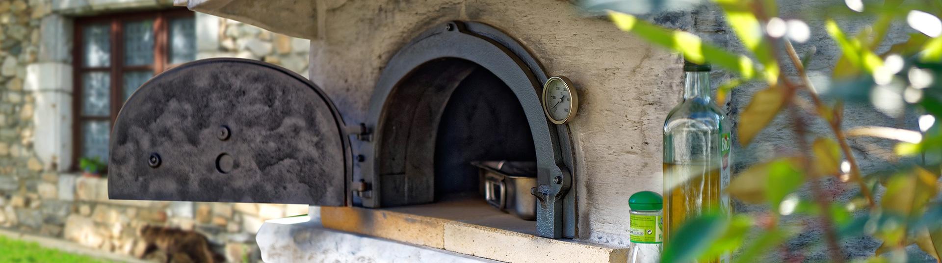Four à bois et four à pain en fonte
