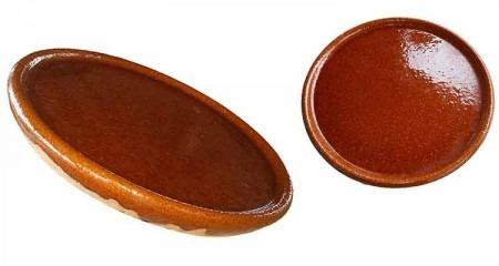 Plat en terre cuite émaillée pour cuisson au four à bois
