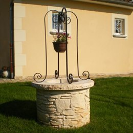 Puits en pierre reconstituée, puits décoratif pour jardin en pierre