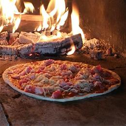 Cuisine d 39 t en pierre four pain four bois four pizza - Four a pizza de jardin ...